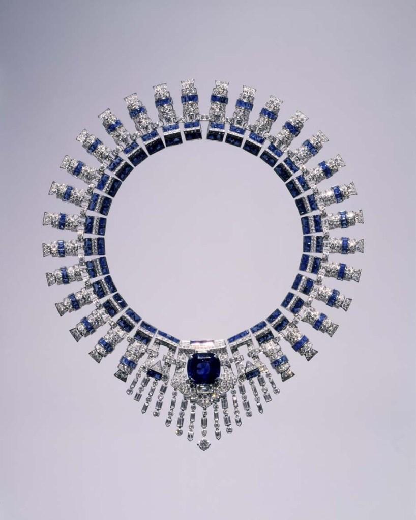 Ожерелье Cartier с сапфирами и бриллиантами, в котором Марджори позировала для портрета выше © Courtesy Hillwood Estate, Museum and Gardens.